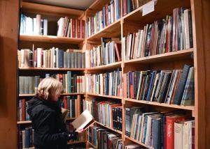 LA in bookstore photo